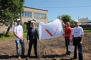 Ивановские активисты ОНФ заложили кедровую аллею в честь 100-летия поэта-фронтовика Михаила Дудина