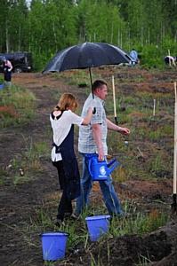 Тутта Ларсен и Сергей Доля посадили лес