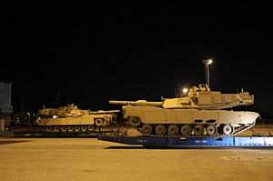 Запрет на фоне танков США: Латвия может закрыть ВНЖ для россиян