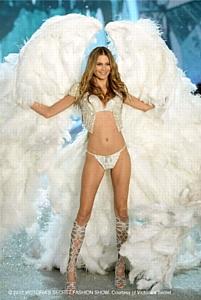 � ���������� ���� ��������� Sony Entertainment Television ������� Victoria's Secret Fashion Show