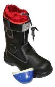 По жестким требованиям Техрегламента: «Энергоконтракт» усовершенствовал термостойкую обувь
