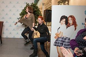 В ТРЦ «Оушен Плаза» состоялась пред-концертная автограф-сессия группы «t.A.T.u.»