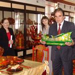 Заури Абуладзе подружился с семеновскими художественными промыслами