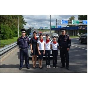 Юные инспекторы движения призвали водителей к соблюдению ПДД