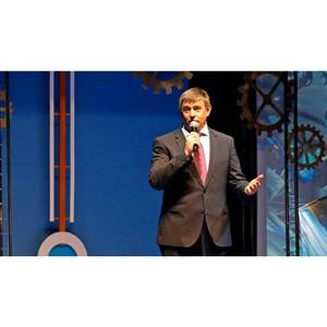 Ректор поздравил лучших выпускников Свердловской области