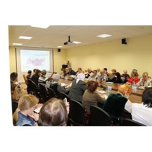Активисты ОНФ провели в Ханты-Мансийске уроки финансовой грамотности для старшего поколения
