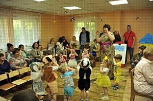 Смоленские таможенники посетили дом ребенка