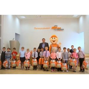Более 600 первоклассников получили в подарок школьные рюкзаки от холдинга «Евроцемент груп»