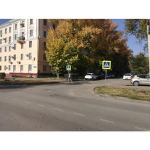 Ќародный фронт проверил в ¬олгограде дорожную инфраструктуру около школ по акции ƒорога в школу