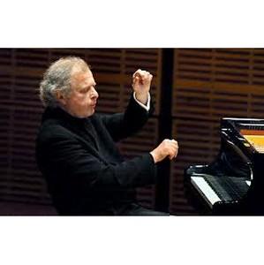 Концерты всемирно известного пианиста Андраша Шиффа пройдут в Москве и Санкт-Петербурге