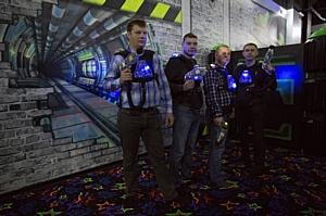 Работники Стойленского ГОКа приняли участие в командной игре лазертаг