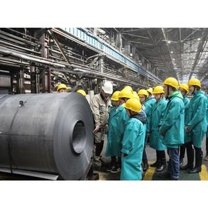 ВИЗ-Сталь заботится о преемственности трудовых традиций завода