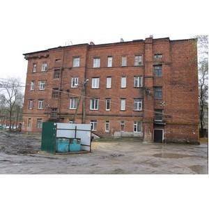 Активисты ОНФ добиваются внепланового благоустройства разбитого двора в Воронеже