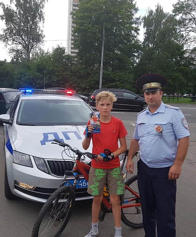 Госавтоинспекторы Зеленограда проводят инструктажи с юными велосипедистами