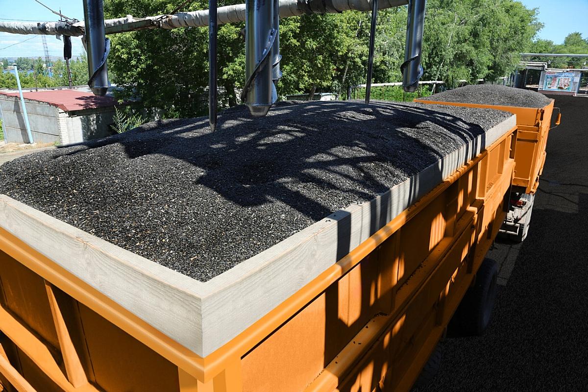 «Солнечные продукты» впервые в своей истории переработали более 1 млн тонн масличных за один сезон