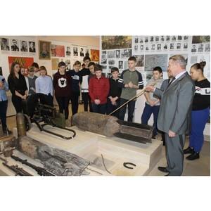 Воронежские активисты ОНФ передали музею в Семилуках видеоархив воспоминаний ветеранов