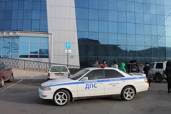 Активисты ОНФ на Камчатке и сотрудники ГИБДД продолжают проверку стоянок для инвалидов