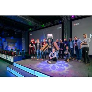 Компания LG и портал DTF открыли серию файтинг-турниров в киберспортивном клубе Cyberspace