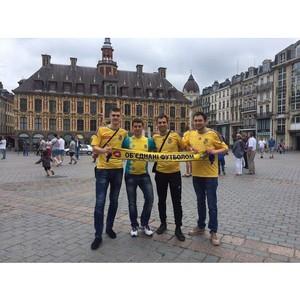 Сборная украинцев вместе с ТМ «Чернігівське» поддержала украинскую футбольную команду во Франции