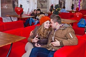 На московском катке Redgrass прошло празднование Дня Влюбленных