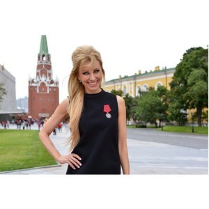 Руководитель Администрации Президента РФ наградил Ирину Нельсон медалью