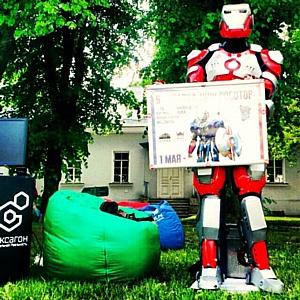 Компания Streetwins увеличила количество функций и улучшила внешний вид роботов-промоутеров