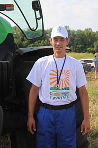 Механизатор агродивизиона холдинга «Солнечные продукты» примет участие в чемпионате по пахоте