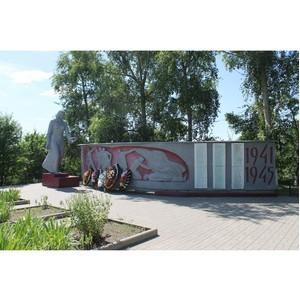 Активисты ОНФ добились выделения средств на ремонт памятника на братской могиле в Хвощеватке