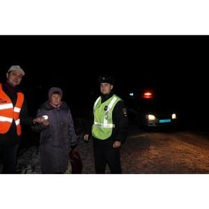 ОНФ в Коми в рамках акции «Дорога в школу» организовал раздачу светоотражающих фликеров гражданам