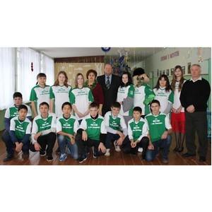 Холдинг «Солнечные продукты» вручил школьникам Марксовского района спортивную форму
