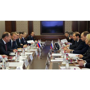 Денис Мантуров провел рабочую встречу с Министром экономики Словацкой Республики Вазилом Гудаком