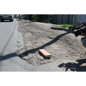 јктивисты ќЌ' проверили состо¤ние гарантийных дорог в ќренбурге