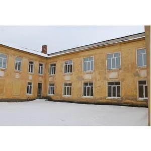 Воронежские активисты Народного фронта добились ремонта школы в Семилукском районе