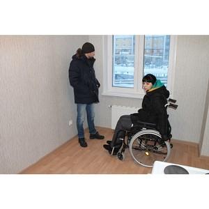 При содействии активистов ОНФ инвалиду-колясочнику из Салехарда предоставили новое жилье
