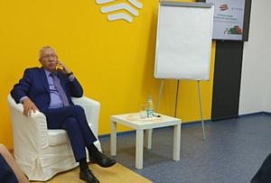 """Сенатор Олег Морозов рассказал студентам КФУ о """"здоровой конкуренции"""" в политике"""