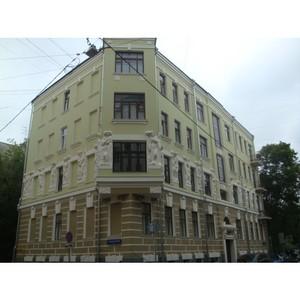 Эксперты ОНФ добились завершения реставрационных работ на фасаде дома в историческом центре Москвы
