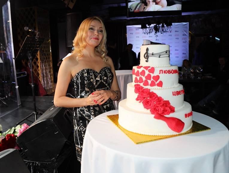 Программа «Выход в свет» насладилась творчеством певицы Вероники Андреевой
