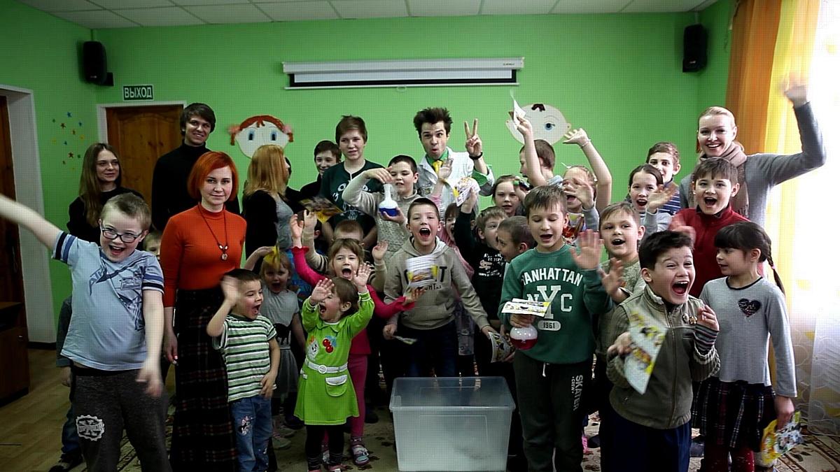 Кинокомпания «Союз Маринс Групп» навестила друзей из детского центра «Теремок»