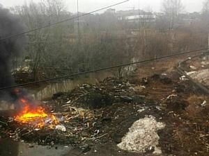 Кировские активисты ОНФ настаивают на устранении горящей свалки в водоохранной зоне реки Люльченка