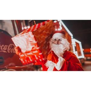 Легендарный Рождественский караван Coca-Cola Hellenic принесет праздник на улицы.