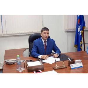 Депутат Евгений Кузьмин в День Конституции РФ провел прием граждан по личным вопросам
