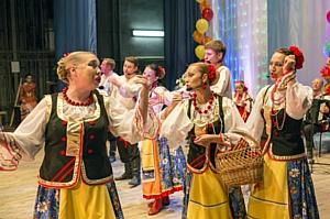Стойленский ГОК организовал концерт ко Дню пожилых людей