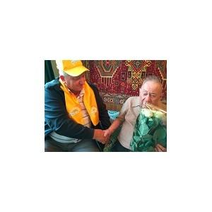 Члены ППО «Нур Отан» охранного агентства «Юнион секьюрити» поздравили со 100-летним юбилеем ветерана ВОВ