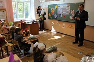 Активисты ОНФ в Омской области провели акцию «Дорога в школу»