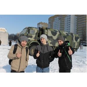 Воронежская команда «Молодежки ОНФ» приняла участие в акции «В армию на денек»