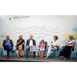Инициаторы «Летнего кинолагеря мира» совместно Игорем Янковским подвели итоги проекта