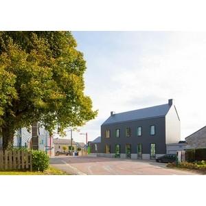 LR Arkhitects создали здание школы города Браво-Кондро в креативном решении