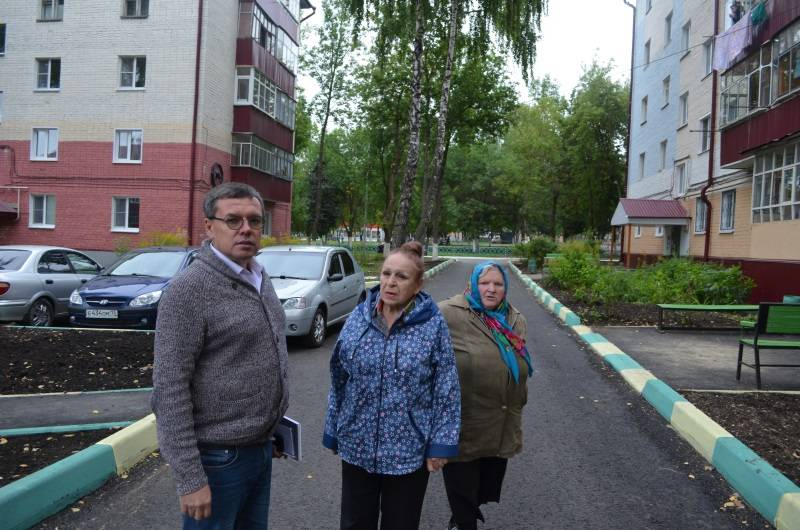 Активисты ОНФ Мордовии проверили благоустройство дворов в Саранске