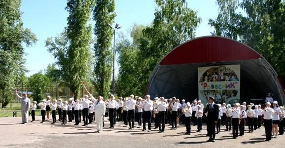"""БФ """"Сафмар"""" поддержал Творческую школу для одарённых детей Саратовской области"""
