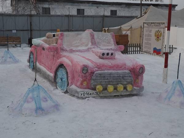 Сотрудники ЛИУ-16 и осужденные построили уникальный Снежный городок для поселка Абагур-Лесной